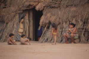 MG 8496 300x200 Amazonie / Brésil   Cérémonie du Kuarup