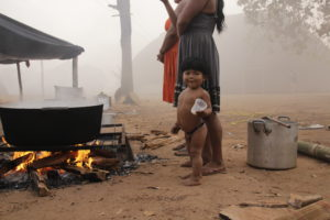 MG 8515 300x200 Amazonie / Brésil   Cérémonie du Kuarup