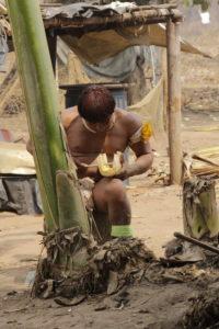MG 8662 e1536610896368 200x300 Amazonie / Brésil   Cérémonie du Kuarup