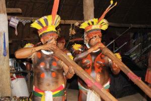 MG 8714 300x200 Amazonie / Brésil   Cérémonie du Kuarup