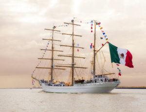 IMG 2757 300x230 À l'Armada, le Cuauhtémoc nous offre une fête des pères pas comme les autres !